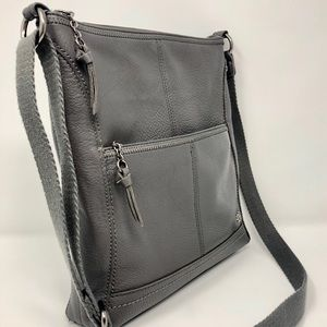 Crossbody The Sak leather purse in neat condition